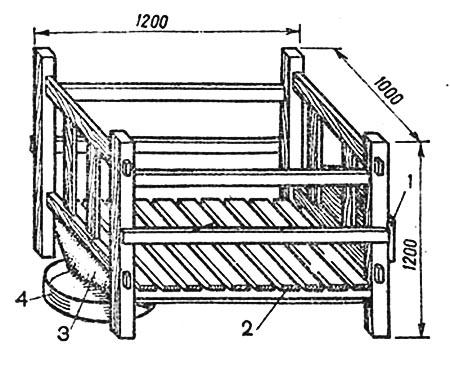 Деревянная клетка для содержания телят