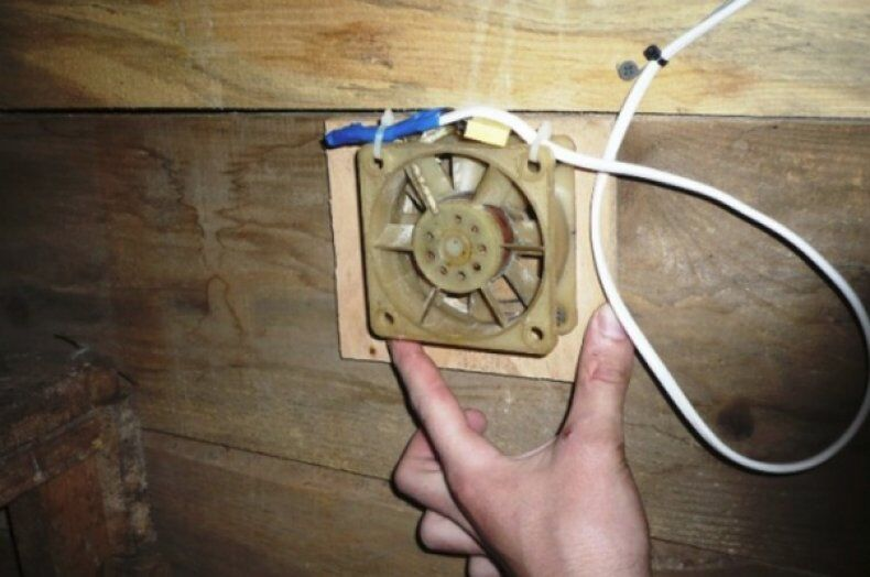 Простейшая вентиляция в курятнике